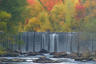 Rolling Dam and fall colors of Blackstone Gorge.